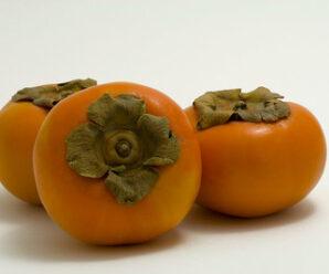 พลับ เป็นผลไม้ที่ใช้รับประทานสดได้มีรสหวานหอม
