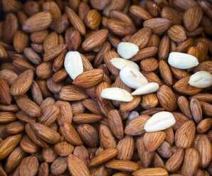 อัลมอนด์ อุดมไปด้วย แมกนีเซียม โปแทสเซียม วิตามินอี ไฟเบอร์ โปรตีน ไขมัน และแคลเซียม สามารถรับประทานเพื่อเป็นการควบคุมอาหารได้
